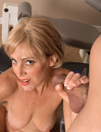 Liz Summers sucjks young cock while posing her mature body in flaming scenes