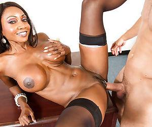Reality sex scene with Ebony mature teacher Diamond Jackson