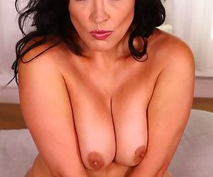 Monte Swinger shows off proper nudity and pussy fingering scenes