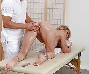 Blonde chicks Julia Ann and Kendall Kayden swap cum after blowing masseuse