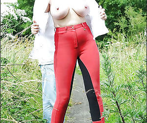 Stunning mature lady in sunglasses flashing her tits outdoor