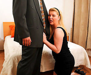 Chubby mature lady Venice Knight getting shagged after giving a blowjob