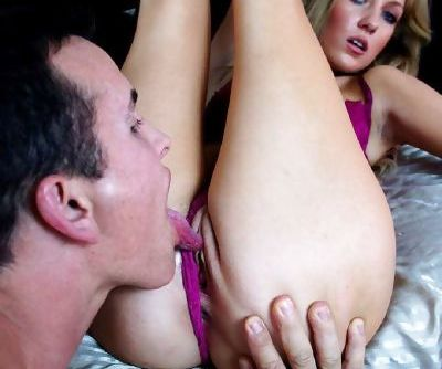 Pornstar Emily Kae insists on having her pussy licked after giving a blowjob