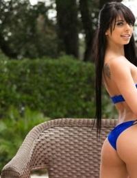 アマチュア 女の子 Gina ヴァレンティーナ だけで 転 18 - は の 法務 年齢 のための ヌード ポージング