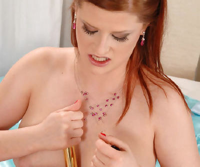 Flexible minx Kami Nikita with nice boobs wants her darling to fuck her shaved cunt