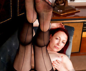 Mature lady in stockings Scarlet Rose gets rid of her dress and panties