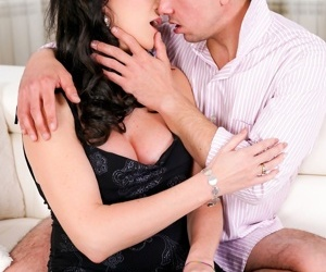 Horny silvie sunny seduces her boyfriend rob into a passionate night. rob undres - part 1223