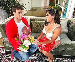 Raylenes daughter is having a little trouble with her boyfriend ramon. it seems - part 1583