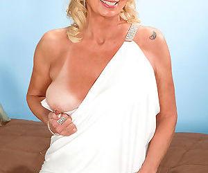 Leggy mature blonde nikki chevious shows off her ass while masturbating - part 806