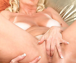 Leggy mature blonde nikki chevious shows off her ass while masturbating - part 806
