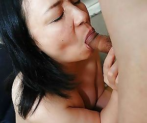 Asian MILF Norie Shibamura enjoys hardcore sex play and gets facialized
