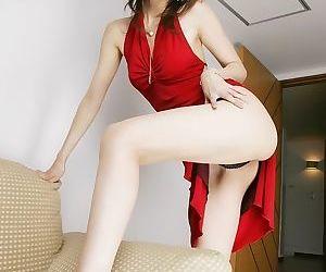 Sexy japanese model riko tachibana poses shows ass - part 1624