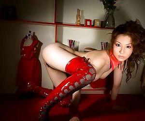 Japanese model showin tatsumi yui ass and hot tits - part 3774