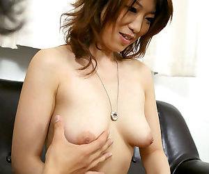 Japanese reiko shows off her boobies - part 4688