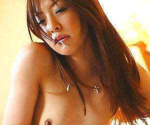 Sexy naked japanese porn model manami suzuki - part 4667