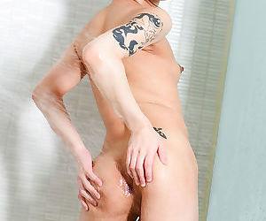 Newhalf in bikini - part 516