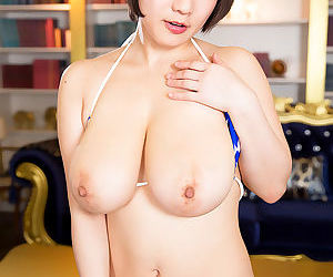 Beautiful bikini nipples - part 29