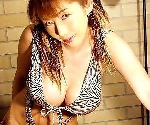 Sexual japanese sakura sena shows her big tits in bikini - part 4094