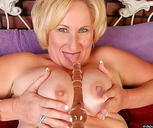 Fat mature blonde strips and spreads her shaved pussy - part 2920