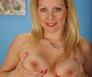 Busty mature blonde zoey tyler spreads ass cheeks - part 510