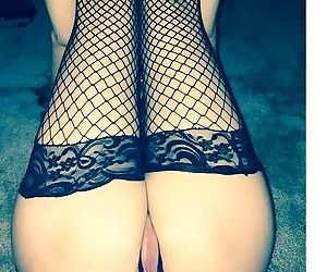 Nude pics of a wife over 40 - part 2512