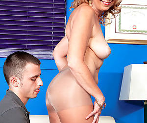 Kinky milf jasmine fields craving some younger dick to fuck - part 804