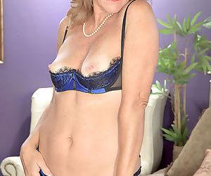Hot blonde mom danielle brooks stripping in her blue dress - part 3218