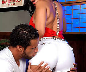 Milf valery lopez getting ready for anal action - part 320