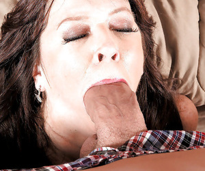 Wild mature bitch stuffs her mouth with a monster cock and eats a load of cum - part 1132