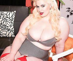Bbw slut has boobs and booty - part 3134