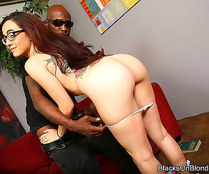Roxanne rae gettin her asshole drilled by a black dude - part 3163