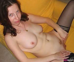 Homemade blowjob pics from a cute amateur wife - part 2182