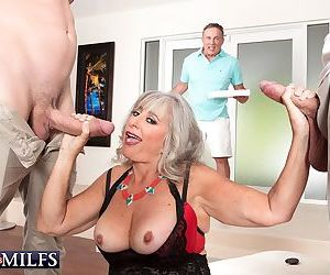 Threeway cuckold session with mature wife - part 3354