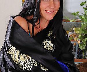 43 year old brunette milf kiera blu spreading wide open on the sofa-kiera blu-no - part 3387