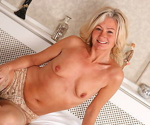 Hairy british housewife playing with her bushy pussy - part 7