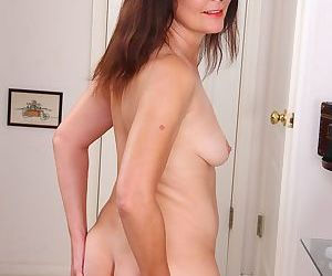 Brunette housewife bridget calling spreads her hairy pussy - part 20