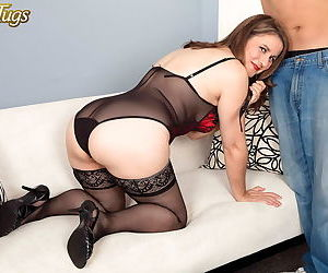 Housewife gia marie gets fucked from behind - part 3