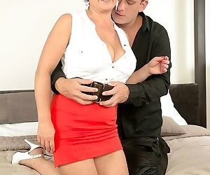 Bigtitted redhead mature divorcee jessica is hot for cock - part 17