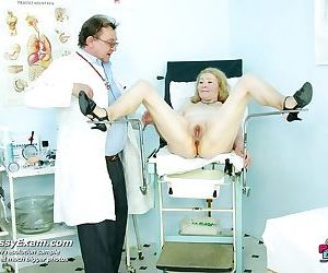 Granny sofie mature pussy gyno speculum gyno examination at clinic - part 2923