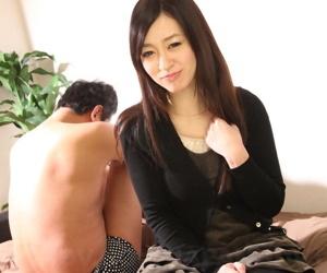 Beautiful Japanese girl Maria Ono strips naked to humiliate her husband