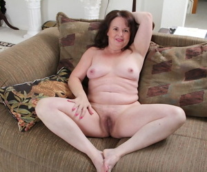 Housewife Felicia McDonald is easily convinced to show her mature hairy pussy