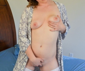 Arousing female Crystal White in red hat and white stockings exposes her pink