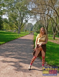 Redhead melina flashes total strangers - part 4625