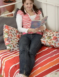Teen mary private giving a blowjob and getting pussy drilled - part 4395