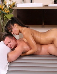 Sexy Asian masseuse Annie Cruz sits client on sukebe chair for soaping & 69