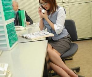 Cute Japanese secretary Rino Mizusawa gets tiny pussy toyed in office gangbang