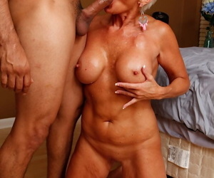 Short haired mature mom Lexy Cougar blowing cock for cumshot in mouth