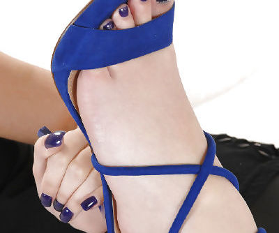 Blonde Sophia Knight romantic foot fetish solo with slow masturbation