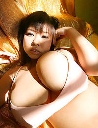 Busty japanese girlfriends exposed - part 294