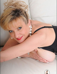 High end charming underwear mature lady sonia - part 2413